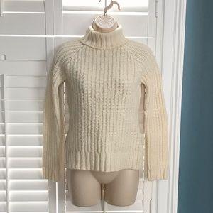 Old Navy XS Cream Turtleneck Sweater